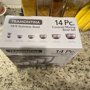 Tramontina Kitchen - Tramontina stainless steel covered mixing bowl set